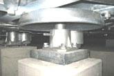 全方位型油圧ダンパー